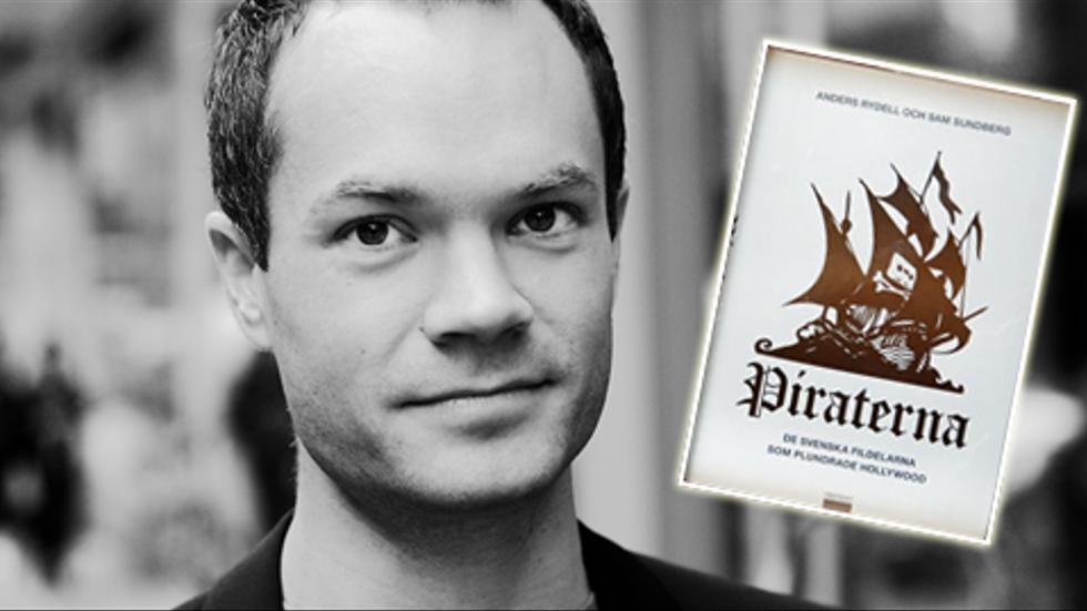 Sam Sundberg och hans bok om fildelning. Två dagar innan den skulle släppas fanns den att ladda ner på Pirate Bay.