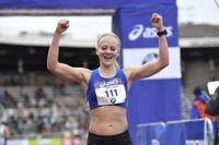 Bästa svenska var Mikaela Larsson på tredje plats – hennes tredje raka SM-seger med tiden 2:36:32 i damklassen i Stockholm Marathon 2019.