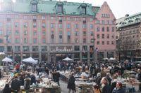 Hötorget i Stockholm med hotell Haymarket by Scandic i bakgrunden.