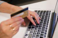 När allt fler inköp sker på nätet tar kriminella chansen att komma åt exempelvis kortuppgifter. Arkivbild.