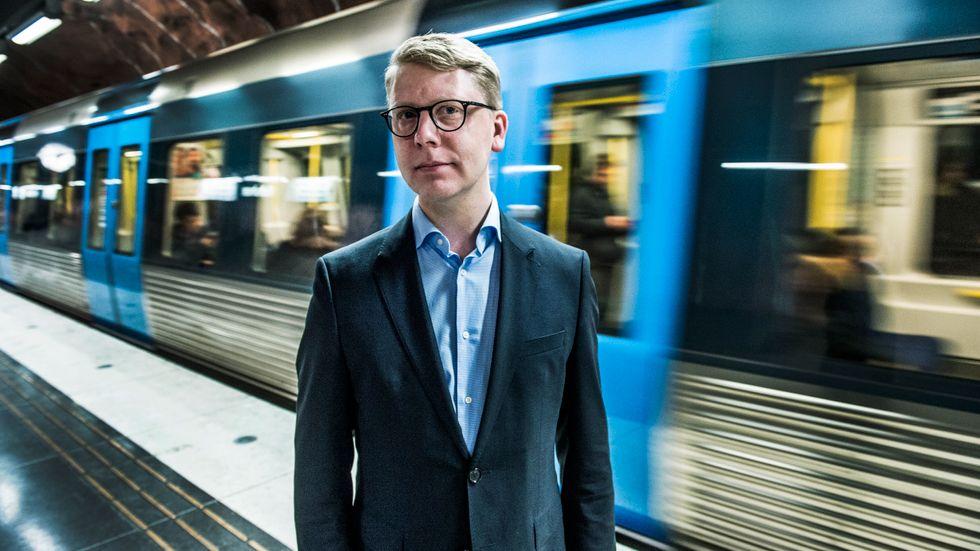 Trafiklandstingsrådet Kristoffer Tamsons, M, är inte säker på att Metro behövs i kollektivtrafiken.