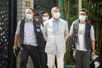 Mediemogulen och demokratiaktivisten Jimmy Lai greps på måndagen och släpptes senare mot borgen.