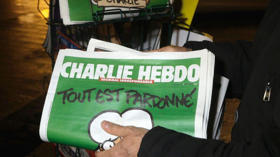 Satirtidningen Charlie Hebdos chefredaktör menar att den franska offentligheten av bekvämlighet undviker att diskutera de problem som finns inom islam.