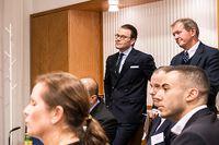 Prins Daniel tillsammans med Marcus Wallenberg på Kungliga ingenjörsvetenskapsakademien.