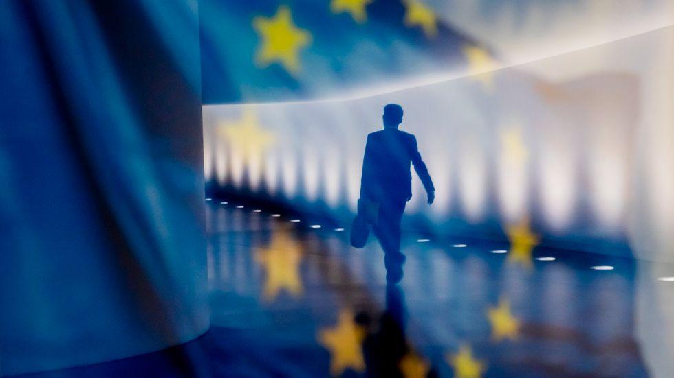 För att bekämpa skatteflykt är EU-parlamentet och medlemsländerna överens om skärpta skatteregler för multinationella företag Arkivbild.