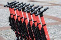 Voi-cyklar parkerade i Oslo.