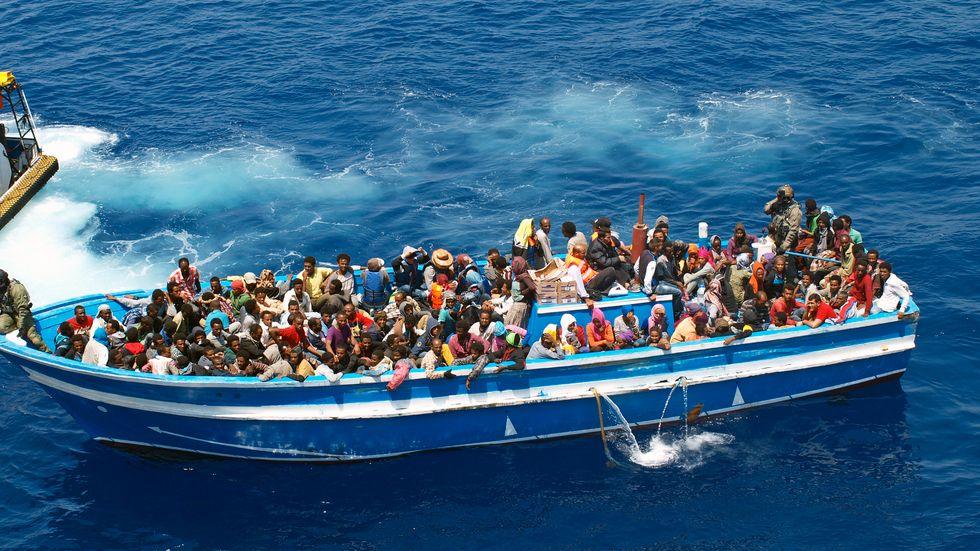 Flyktingar och migranter på Medelhavet. Arkivbild.