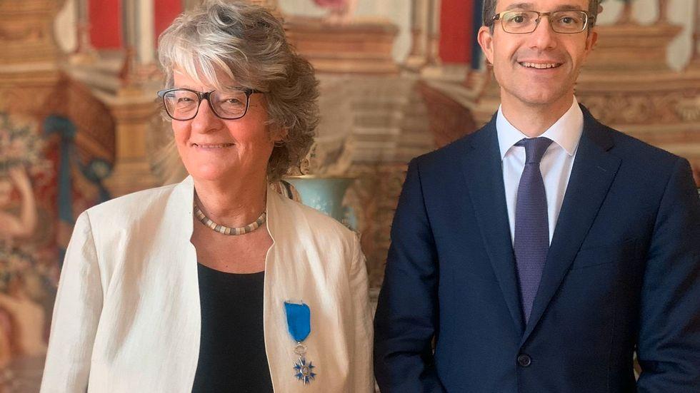 Annika Ström Melin tillsammans med Frankrikes ambassadör i Sverige, Etienne de Gonneville.