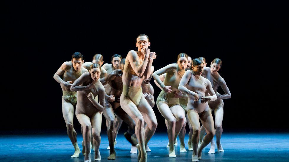 """Kungliga Baletten i """"Half life"""" av Sharon Eyal, nu även i VR-version på Operan Play."""