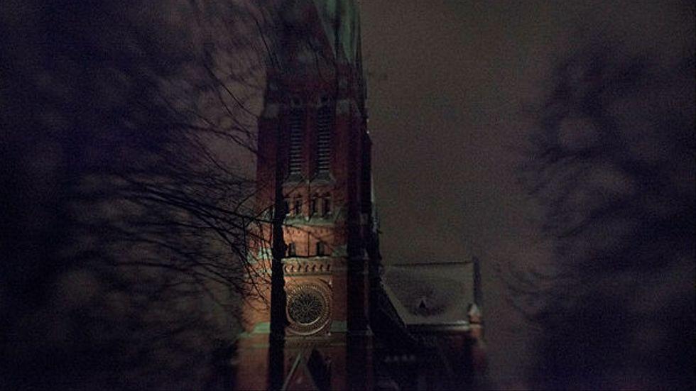 I slutet av 1800-talet blev tegelkyrkor i nygotisk stil populära i Sverige – på bekostnad av de gamla som inte alltför sällan revs för att ge plats åt de nya. På bild: Johannes kyrka av Carl Möller.