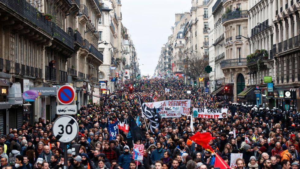 Protester i Paris mot reformeringen av pensionssystemet.