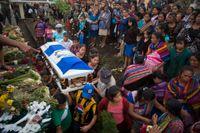 En person som omkommit av brännskador vid utbrottet begravs.