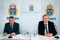 Spaningsledare Hans Melander och åklagare Krister Petersson under pressträffen om Palmeutredningen.