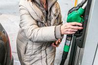 Regeringens förslag: Höjd skatt för nya bensinbilar