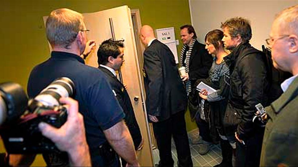 Häktningsförhandlingar mot en av de pojkar som tidigare dömts för delaktighet i dödsmisshandeln på Kungsholmen.