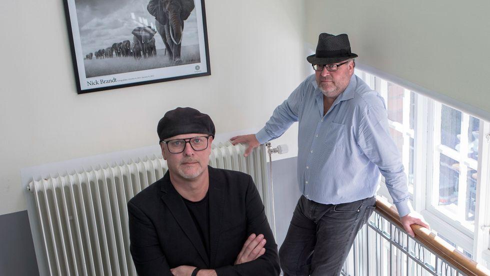 Bröderna Per och Jan Broman har grundat Fotografiska, som nu instiftar Stora dokumentärfotopriset på 100000 kronor.