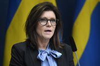 Arbetsmarknadsminister Eva Nordmark (S) tror att regeringens samarbete med Centerpartiet och Liberalerna ska överleva striden om arbetsrätten.