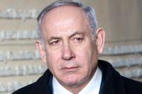 Israels premiärminister Benjamin Netanyahu stod i centrum på konferensen i Warszawa, här mitt emellan sin fru Sara Netanyahu och USA:s utrikesminister Mike Pompeo.