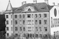 Byggnaden låg i nuvarande korsningen Birger Jarlsgatan och Runebergsgatan.