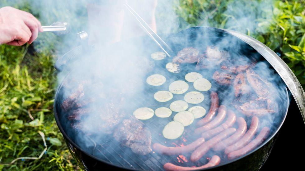 Glöm grillning. Så längde det extrema väderläget består gör du bäst i att laga mat på spisen. Arkivbild.