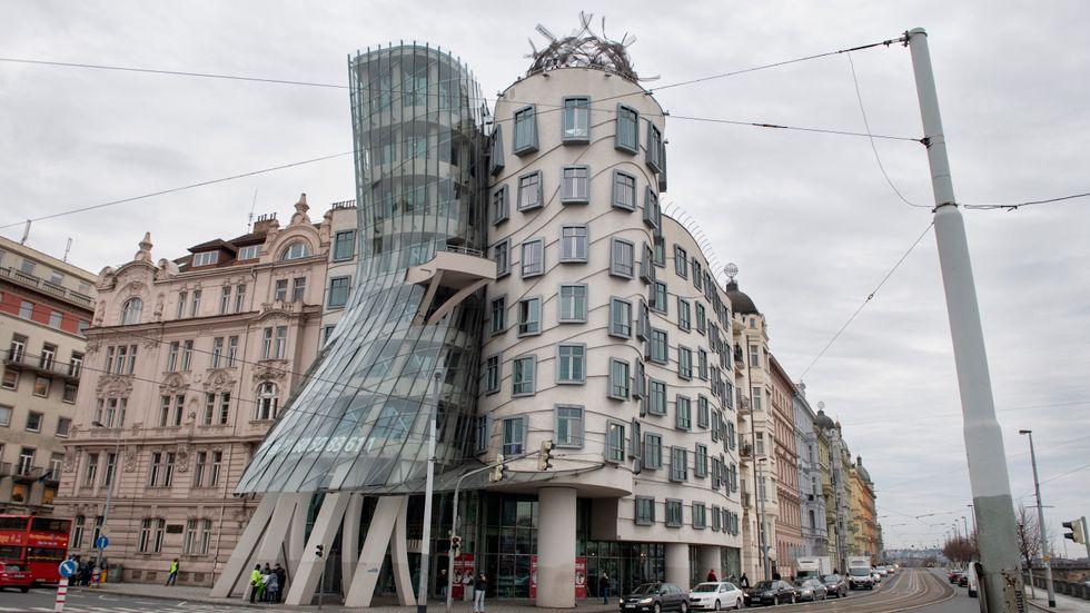 Tancící dum, Det dansande huset, en byggnad i den tjeckiska huvudstaden Prag. Husets arkitekter är tjecken Vlado Milunic.