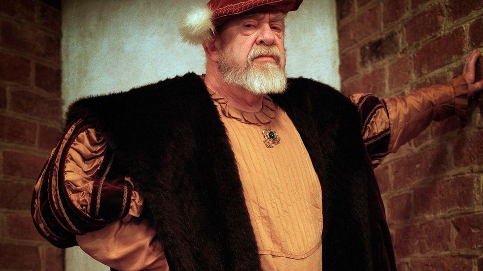 Radiomannen och författaren Anders Pontén utklädd till Gustav Vasa.