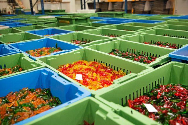 På Aroma tillverkas ungefär 18 ton godis varje dag.