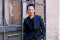 """För debutromanen """"Sympatisören"""" belönades  Viet Thanh Nguyen med Pulitzerpriset 2016. Nu är han aktuell med en ny bok i svensk översättning."""
