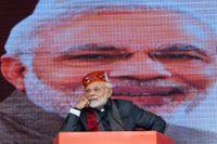 Indiens premiärminister Narendra Modi ombildar sin regering.