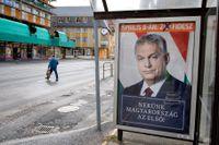 Premiärminister Viktor Orbán på valaffischer i den ungerska staden Szombathely.