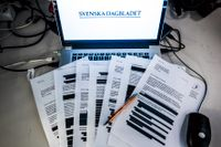 Finansinspektionen hemlighåller för stora delar av sina penningtvättutredningar, enligt ett domstolsbeslut.
