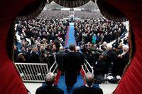 President Obama anländer till installationsceremoni.