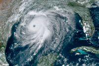 Orkanen Laura nära USA:s sydkust.