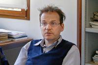 Laurent Lafforgue på  sitt kontor på forskningsinstitutet IHES (Institut des hautes études scientifiques) i den lilla byn Bures-sur-Yvette, fyra mil söder om Paris.