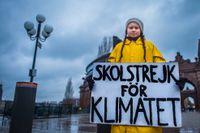 Greta Thunberg är tillbaka på sin vanliga plats utanför riksdagen i Stockholm. Bild från 2018.