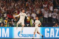 Real Madrids Sergio Ramos jublar efter sitt 3–0-mål.