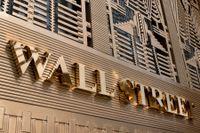 Glada miner på Wall Street. Arkivbild.