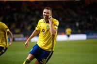 Sveriges Marcus Berg firar sitt 2–0 mål under tisdagens Nations league-landskamp mellan Sverige och Ryssland på Friends Arena.