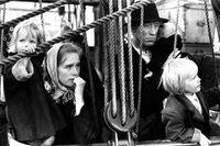 """Liv Ullmann som Kristina och Max von Sydow som Karl Oskar i Jan Troells filmatisering av Wilhelm Mobergs """"Utvandrarna""""."""
