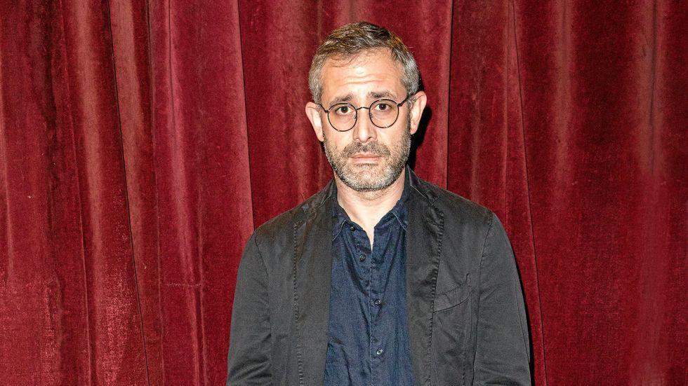 Aron Flam, född 1978, är ståuppkomiker, debattör och skribent.