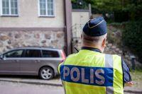 Mitten av maj i Helsingborg: Polisen bevakar judiska församlingens lokal i centrala Helsingborg efter att en kvinna i 60-årsåldern skadats allvarligt i ett knivdåd vid 07.30-tiden på morgonen. Arkivbild.