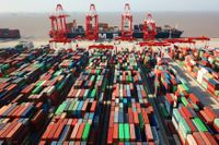 Containrar i hamnen i Shanghai.