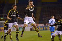 AIK:s Helgi Danielsson jublar efter 1-0-målet mot Dnipro Dnipropetrovsk på Råsunda.