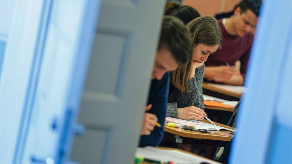 Ungefär 27000 platser kommer finnas tillgängliga till höstens högskoleprov.