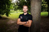 Fredrik Aronsson är personlig tränare och tipsar om hur man får fart på träningen under semestern.