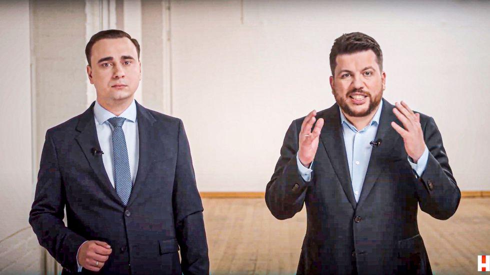 Navalnyjs stabschef Leonid Volkov, till höger, i en video från 18 april.