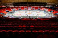 Läktarna i Scandinavium i Göteborg gapade tomma när hockeysäsongen avslutades i mars. Arkivbild.