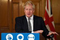 Boris Johnson på lördagskvällens pressträff på 10 Downing Street i London.
