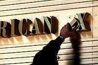 American Express köper ut kunder