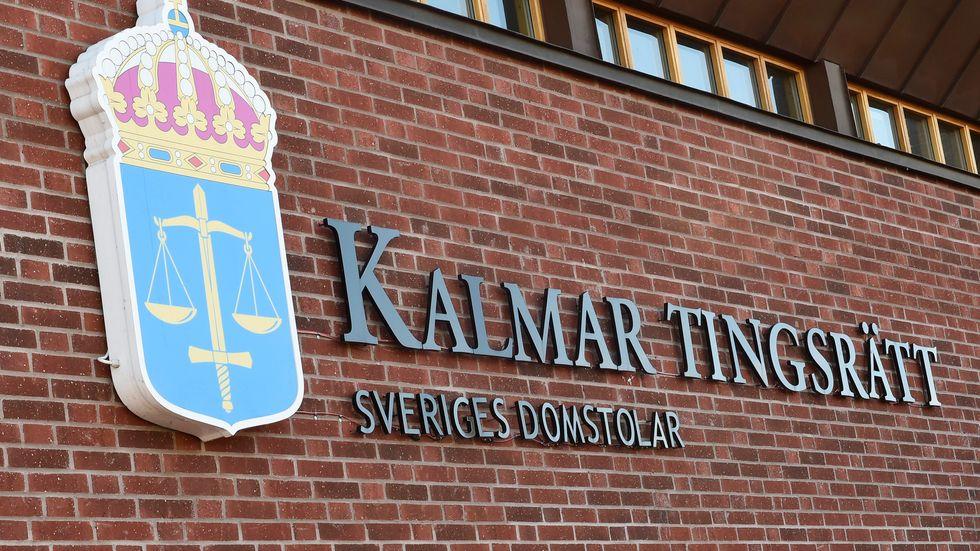 Åtalet om mångmiljonbedrägerierna väcks i Kalmar tingsrätt eftersom den första drabbade bor i Kalmar län. Arkivbild.